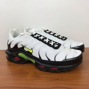 "Nike Air Max Plus ""Black Volt"""